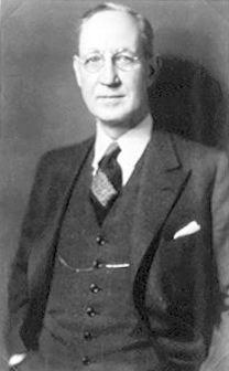 Former University President Ralph Dorn Hetzel