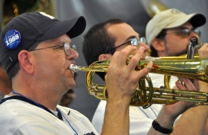 DSC_5554_med_Alumni_Blue_Band