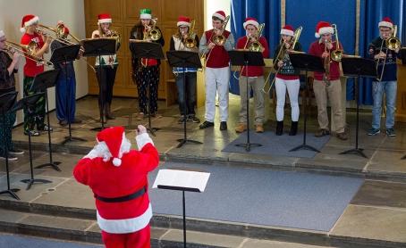 DSC_2284_Santa_and_trombones